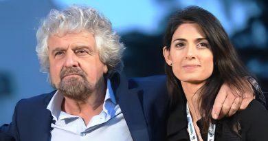 Beppe Grillo abbraccia Virginia Raggi