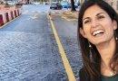 Virginia Raggi asfalta i sanpietrini romani